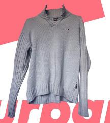 Tommy Hilfiger ženski L/XL džemper. Cena - 1200din