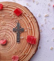 Srebrni privezak- Keltski krst