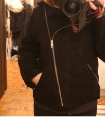 Crna jakna h&m NOVA