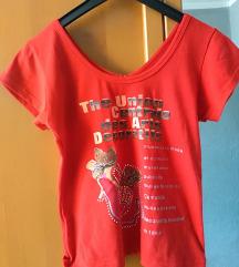 Crvena kao i bela nova majica
