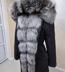 SNIŽENO Zimska jakna sa prirodnim krznom