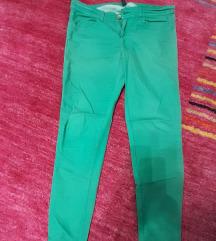Benetton zelene pantalone