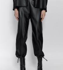 Zara NOVO sa etiketom pantalone od veštačke kože