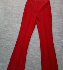 Nove crvene pantalonice