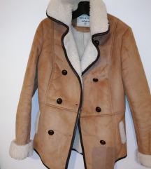 Nova jakna prevrnuta koža