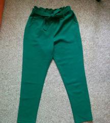 Zelene duboke pantalone sa masnom