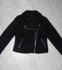 Skupocena, kvalitetna crna jakna, 30%vuna, NOVA