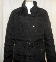 Crna jakna, duga, topla..