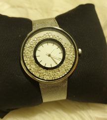 Srebrni sat sa kristalima