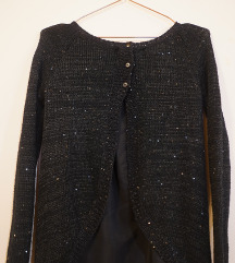 Džemper sa šljokicama i dugmićima na leđima