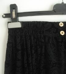 Vintage black velvet  Snizena na 700 din.