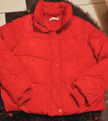 Crvena perjana jakna
