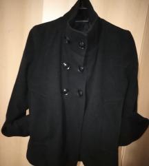 Prelepa crna jakna