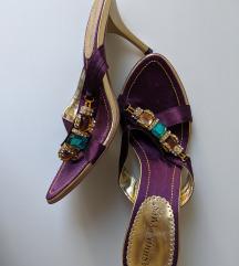 Sandale na stiklu