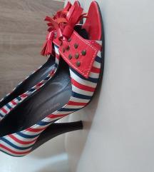Cipele na stiklu, veoma stabilne i udobne