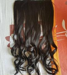Smedja uvijena kosa na klipse