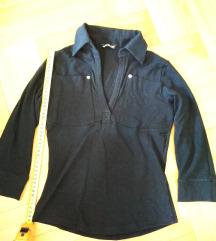 Crna majica sa kragnom i 3/4 rukavima