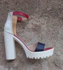 Perla sandale sa debelom štiklom