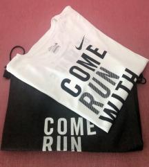 Nike DRI-FIT majica + torba sa Bg maratona 2016
