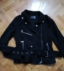 Zara crna jakna NOVA