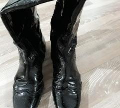 Lakovane kozne cizme %%%snizeno 1500din