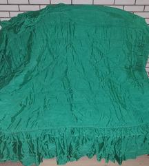 Simpo ukrasni prekrivac za bracni krevet