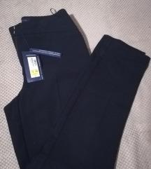 Pantalone M&S nove sa  etiketom