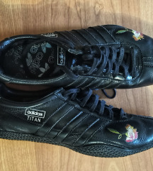 Adidas crne patike kožne limited edition