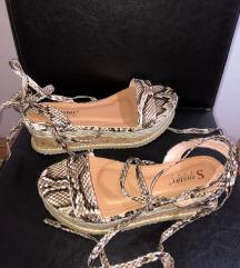 Sandale zmijski print