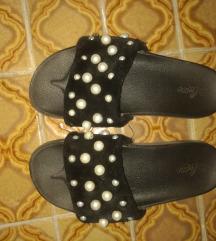 Papuce sa biserima