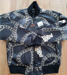 Nike crna jakna sa zlatnim nova