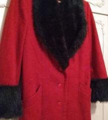 Crveni dugački kaput sa crnim krznom M-L