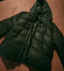 Reserved crna puf jakna