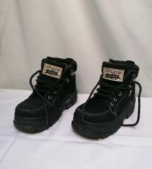 Decije zimske cipele/cizme broj 32 Kao Novo