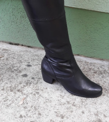 TAMARIS crne kožne duboke čizme Nove