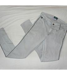 Sive pantalone sa crnom linijom S
