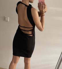 Crna midi haljina golih ledja