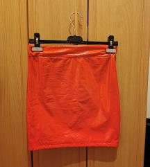 crvena pvc latex suknja