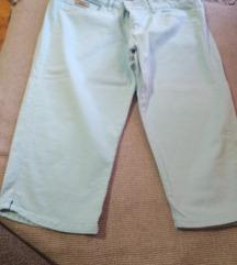 Kratke pantalone- bermude