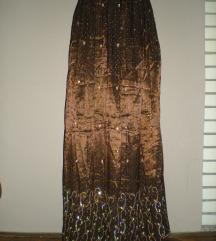 Ekstremno duga suknja