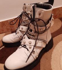 Zara original cizme bele bajkerke