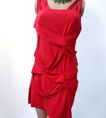 Jarko crvena haljina