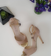 Opposite nude sandalice
