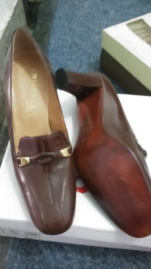 cipele kozne -39-nove