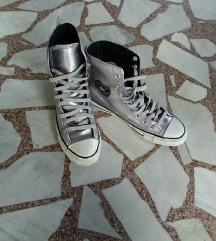 Converse ! 39.5.