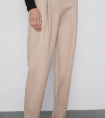 Nove Zara pantalone..xs