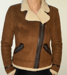 Zara nova jakna veličina L