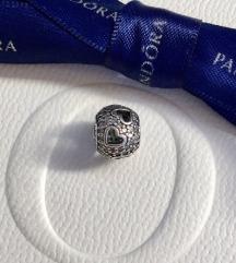 Pandora Sjano srce srebro ale s925