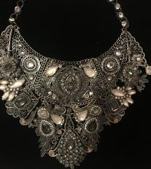 Dizajnerska oglica Demode Jewelry