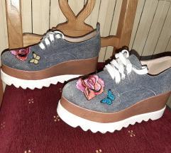 Cipele na platformu 38 ZA VIKEND SAMO 600